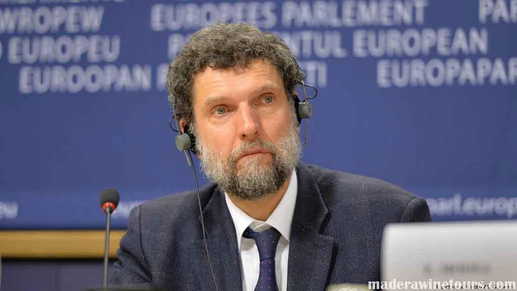 Osman Kavala นักธุรกิจผู้ใจบุญชาวตุรกีและนักปกป้องสิทธิมนุษยชนปฏิเสธข้อกล่าวหาเรื่องการจารกรรมและพยายาม โค่นล้มรัฐบาลที่เกี่ยวข้อง