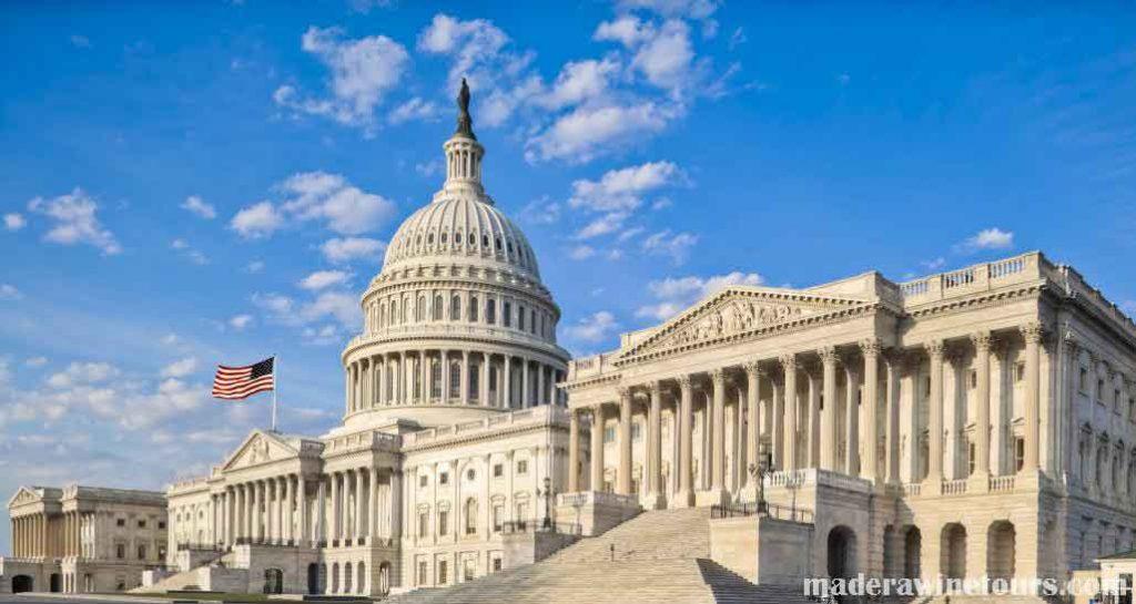 US Congress เมื่อวันศุกร์ที่ผ่านมาวุฒิสภาสหรัฐอเมริกาได้ผ่านร่างกฎหมายต่อต้านการฟอกเงินและการห้าม บริษัท เชลล์ที่ไม่เปิดเผยตัวตนซึ่ง