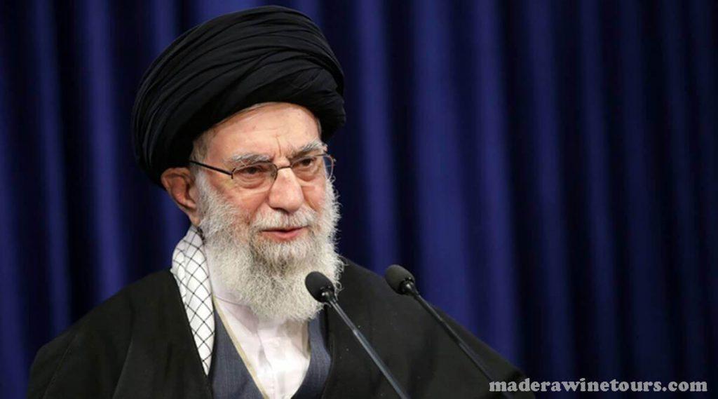 Iran Bans ทางอาลีคาเมเนอีผู้นำสูงสุดของประเทศอิหร่านสั่งห้ามนำเข้าวัคซีน COVID – 19 จากประเทศสหรัฐอเมริกาและสหราชอาณาจักร