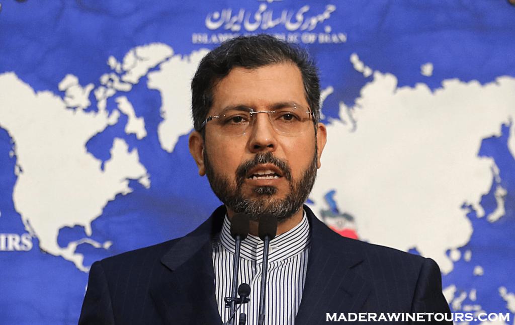 Iran rejects รัฐบาลอิหร่านปฏิเสธข้อเรียกร้องของอิสราเอล สหรัฐอเมริกา และสหราชอาณาจักร ว่าอยู่เบื้องหลังการโจมตีเรือนอกโอมานเมื่อต้นสัปดาห์นี้