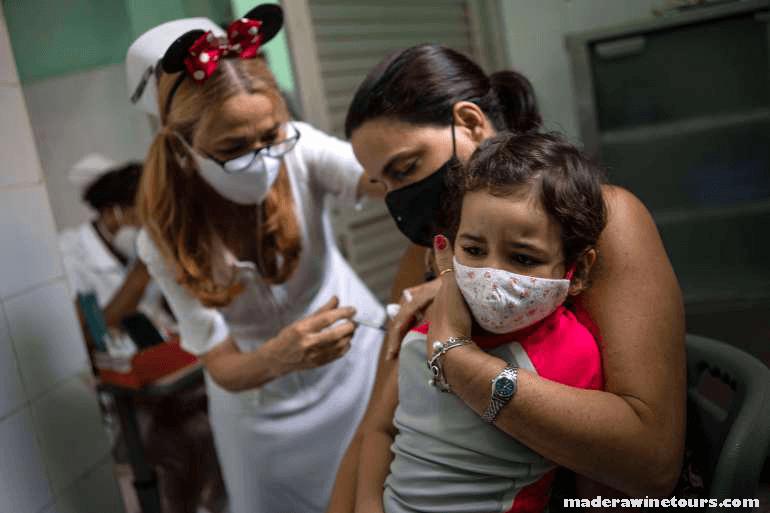 Cuba begins ได้เริ่มส่งออกวัคซีนป้องกันโรคโควิด-19 ที่ผลิตในประเทศแล้ว โดยส่งวัคซีน Abdala สามขนาดไปยังเวียดนามและเวเนซุเอลามิเกล