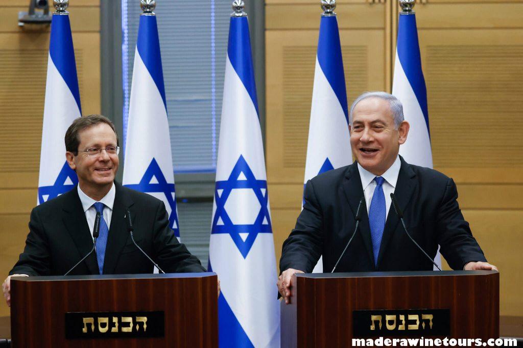 Israeli president ประธานาธิบดีไอแซก แฮร์ซอก แห่งอิสราเอล เปิดเผยว่าเขาได้พบกับกษัตริย์อับดุลลาห์ที่ 2 แห่งจอร์แดนในกรุงอัมมาน ซึ่งเป็นการ