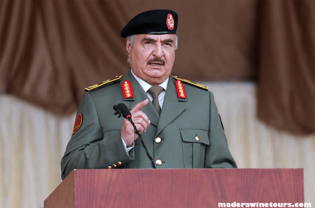 Khalifa Haftar ผู้แข็งแกร่งทางตะวันออกของลิเบีย ปูทางเข้าร่วมการเลือกตั้งประธานาธิบดีในเดือนธันวาคม หลังจากกล่าวว่าเขาจะก้าวลงจาก