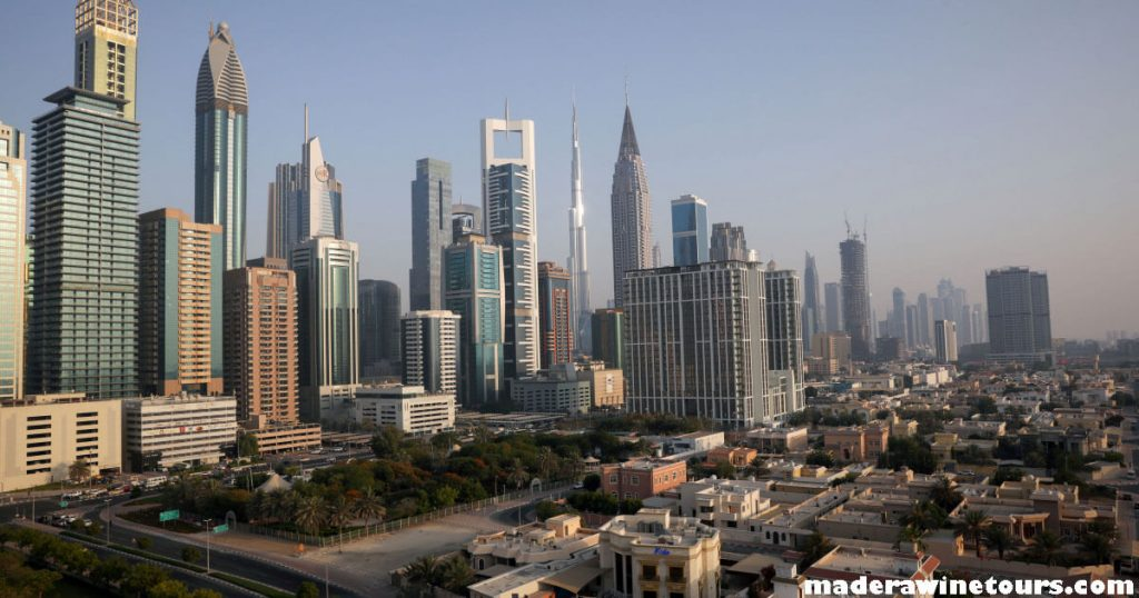 UAE announces สหรัฐอาหรับเอมิเรตส์วางแผนที่จะเปิดตัวโครงการริเริ่มทางเศรษฐกิจใหม่ 50 โครงการเพื่อเพิ่มความสามารถในการแข่งขันของ
