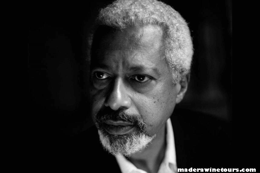 Abdulrazak นักเขียนชาวแทนซาเนีย อับดุลราซัก กูร์นาห์ ได้รับรางวัลโนเบลสาขาวรรณกรรมปี 2564 หน่วยงานผู้มอบรางวัลกล่าวรางวัลอันทรง